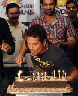 sachin at his 36 birthday celebrations