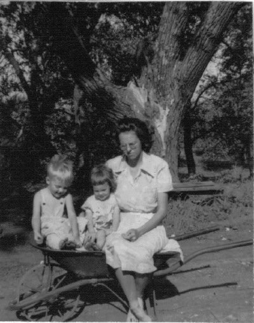 I have no idea why Owen, Susan and Mom were posing in a wheelbarrow for this picture.