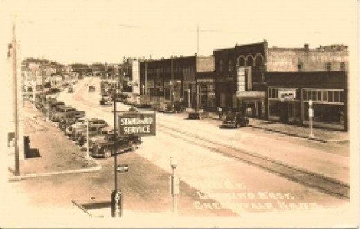 1942 postcard Cherryvale Kansas