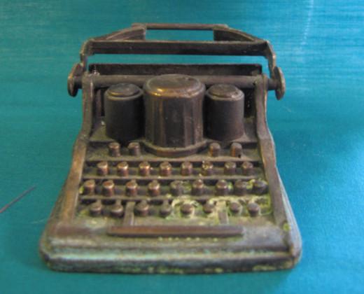 metal mini typewriter