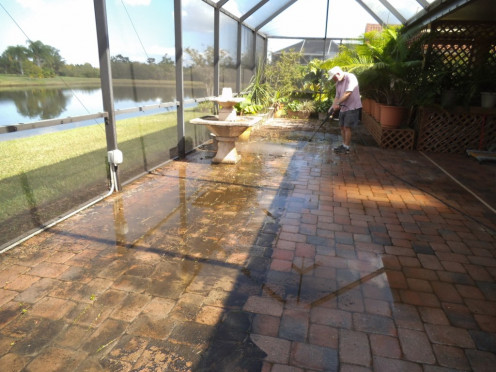 Look at the disgusting state of our lanai. That's what 4 months of Florida summer rains does to pavers.