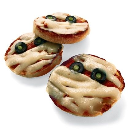 Halloween Recipes: Pizza Mummies