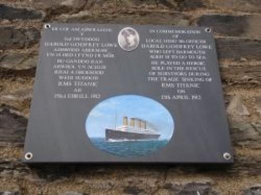 Plaque dedicated to Harold Godfrey Lowe