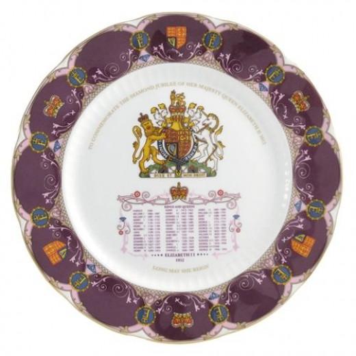 Aynsley Diamond Jubilee Queen Elizabeth II Crown Plate