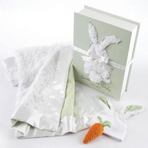 Bunnies in the Garden Luxurious 3-Piece Blanket Baby Gift Set