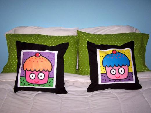 New cupcake pillows!