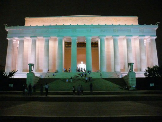 Lincoln Memorial, outside view at night