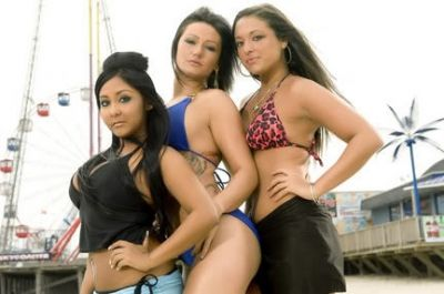 3 of the girls from the Jersey Shore: Snooki, JWoww, and Sammy