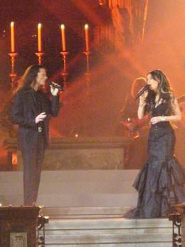 Singing Pasión with Sarah Brightman in Vienna, 2008