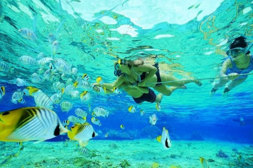 Snorkeling is the best thing you can do in Seychelles, but when there are treacherous currents, the swimming is prohibited.