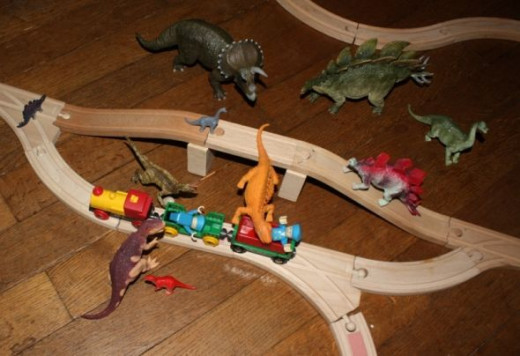Brio train tracks dinosaurs