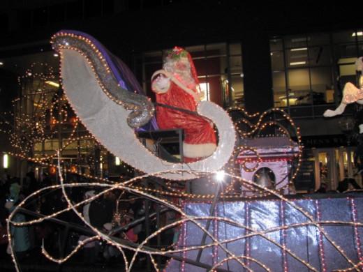 Santa Ends The Parade