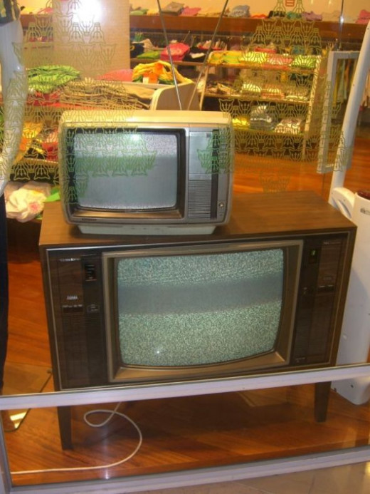Old TVs at Mooks, Chadstone Shopping Centre by avlxyz. Licensed under Creative Commons 2.0.