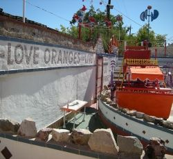 "The Orange Show, ""Love Oranges and Live"""