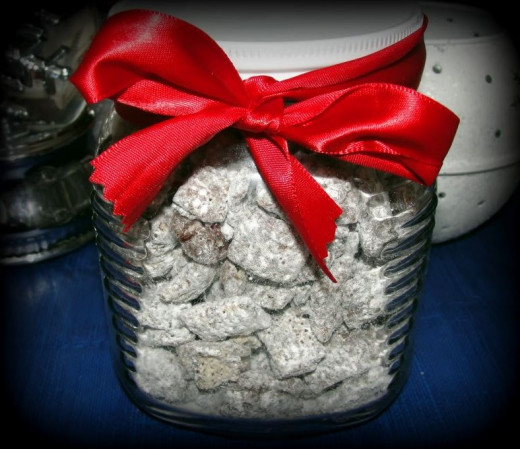 Reindeer Chow (Peppermint Muddy Buddies)