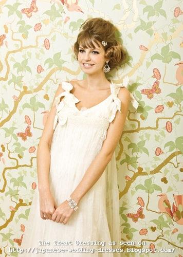 Sweet & pretty wedding dress by The Treat Dressing