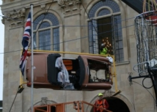 New MG Museum at Abingdon : Hoisting in an mg Car