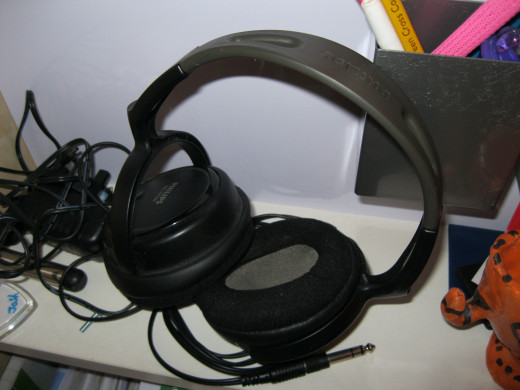 Cheap headphones, but they work