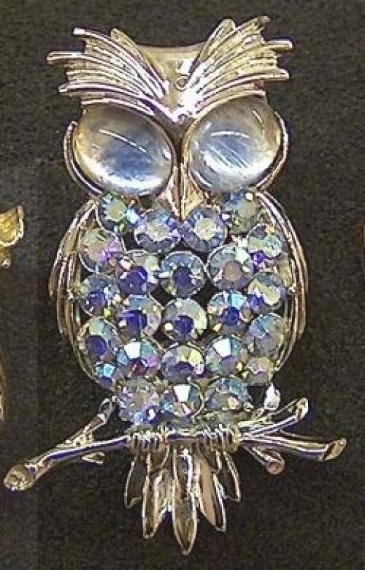 vintage owl pin - Coro - lavender blue Aurora Borealis rhinestones on body - cabachon eyes