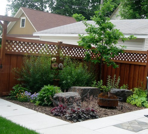 Charming Mulch Corner Patio