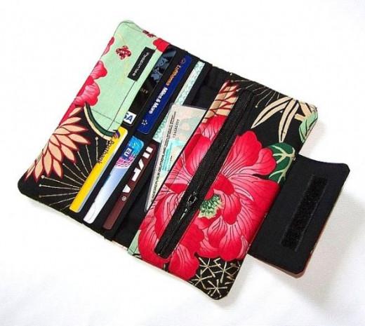 Clutch style wallet