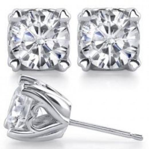 Hearts on Top Round Moissanite Stud Earrings [ear001]