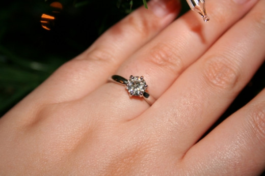 1CT Moissanite Solstice Engagement Ring