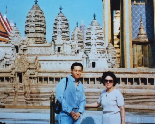 Checking out the Royal Palace in Bangkok