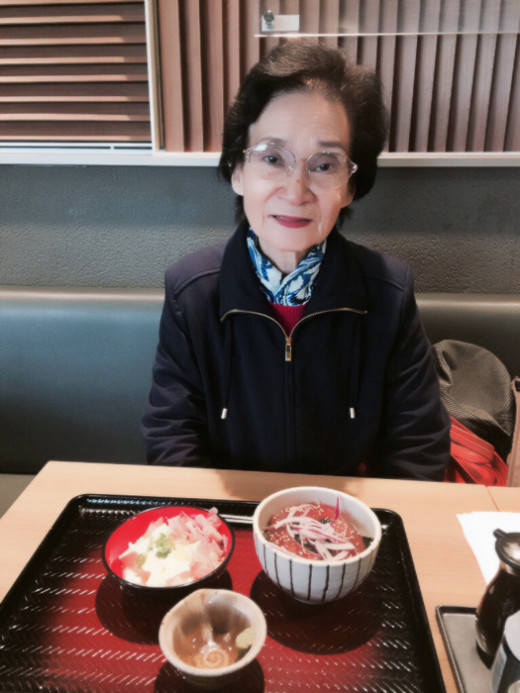 I had lunch with my mother for three weeks. We tried to have something different every time.