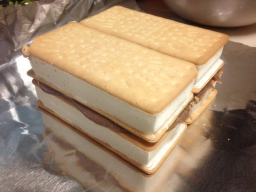 Stack the sandwiches on top of the other with a layer of the azuki pudding mixture.