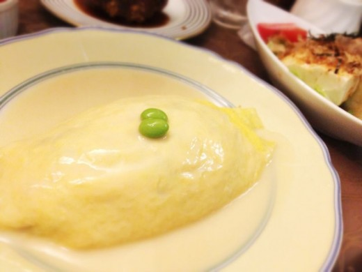 Kyoto's version of Omu-Rice was very refined liked everything else in Kyoto. Instead of ketchup, a very light cream sauce was used.