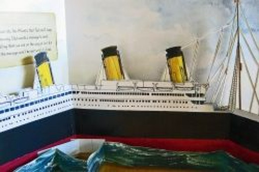 Detail of popup book. Image from the site: Best Resources on the Titanic for Kids: Science, Social Studies, Reading & Writing