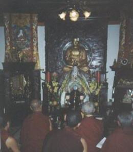 Dr. Le's family shrine