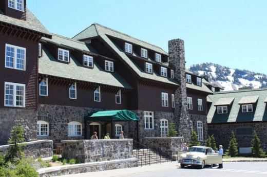 Crater Lake Lodge in Rim Valley