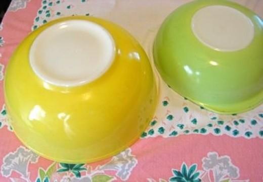 RetroBabs sells Kitchenwares and Housewares on Etsy!