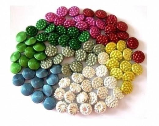Oritdotan sells Vintage Buttons on Etsy!