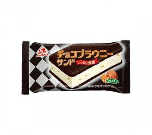 Vanilla ice cream with walnuts sandwiched between two slabs of brownies. Made by Morinaga.