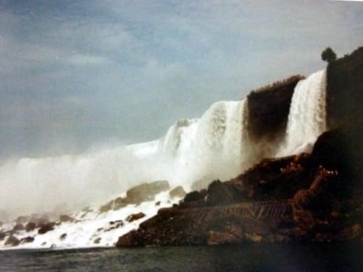 Niagara Falls - erosion