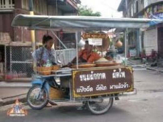 pad-thai-vendor.jpg