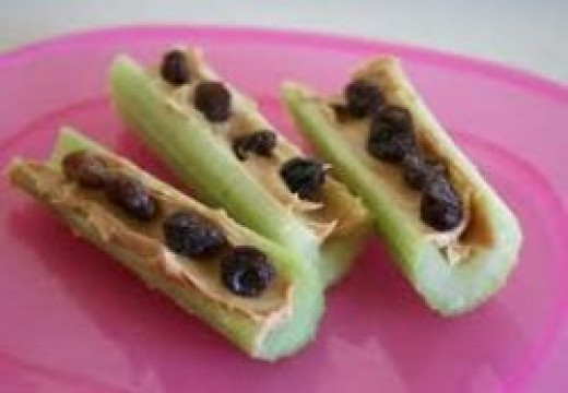 ants of a log, healthy snack, healthy snacks, snack ideas, snacks for kids, healthy snacks for kids