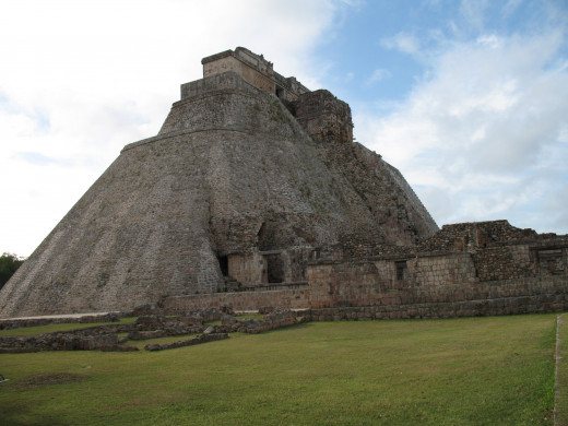 Reverse side of the pyramid