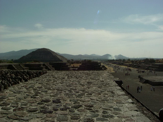 View of the pyramid of the sun as seen from the pyramid of the moon 2005