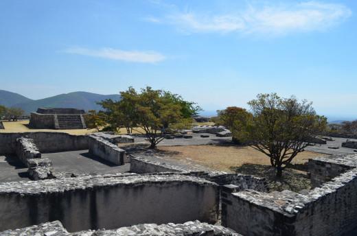 Exploring Xochicalco 2014