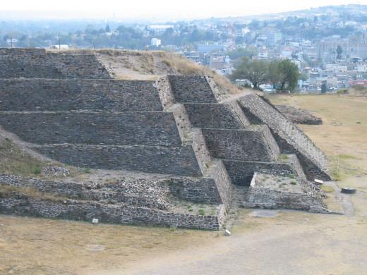 Pyramid of the sun at Tula