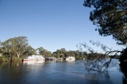 Murray River and Houseboats