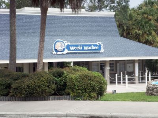 Entrance to Weeki Wachee