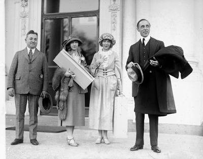 Dorothy & Lillian Gish with Famed Director D.W. Griffith - March 27, 1922