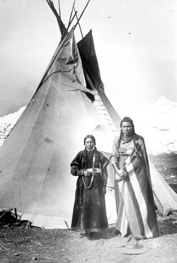 Nez Perce Couple by Teeppee