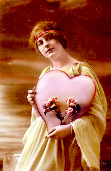 1910 Valentine Heart Flowers