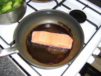 Pan frying the salmon fillet
